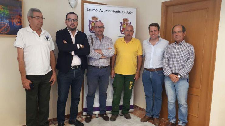 El Ayuntamiento de Jaén valora a la nueva directiva de la asociación de vecinos 'Puensi'