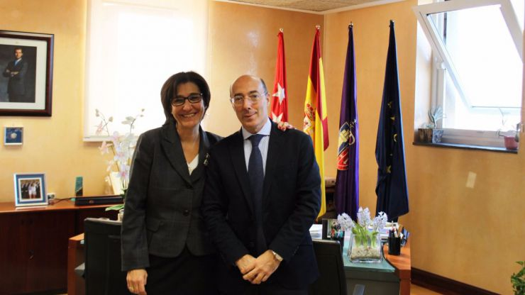 La alcaldesa de Pozuelo de Alarcón se reúne con Carlos María Urquijo Valdivieso