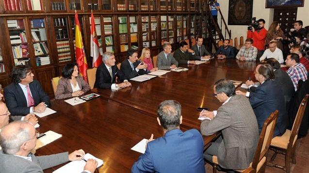 El eurodiputado Díaz de Mera llevará el incendio de Ornua al Parlamento Europeo para solicitar ayudas