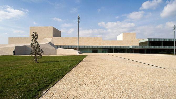 Javier Cerrajero solicita la ampliación de las zonas de aparcamiento en el Lienzo Norte en Ávila