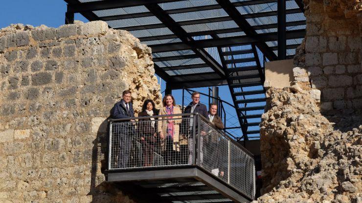 La Junta promueve el desarrollo turístico de Villagarcía de Campos con la puesta en valor del Castillo y la Colegiata de San Luis