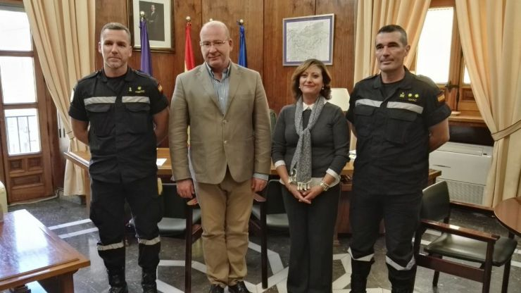 El alcalde de Jaén recibe a la Unidad Militar de Emergencias que celebrará en Jaén una serie de actos castrenses