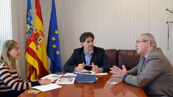 Turisme busca vías de colaboración con el cuerpo consular acreditado en Valencia