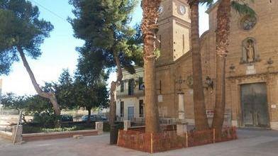 El ayuntamiento de Valencia dignifica la plaza de la iglesia de Sant Lluís Bertran