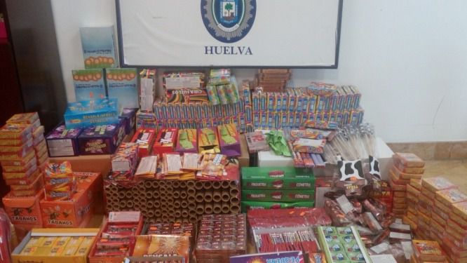 La Policía Local incauta 145.700 petardos irregulares en Huelva