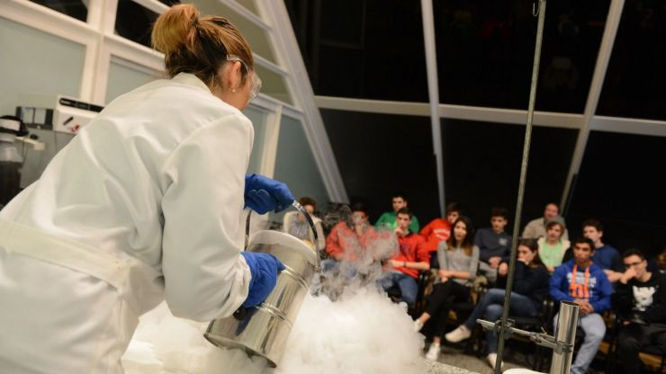 Los talleres de 'La Ciencia a Escena' del Museu de les Ciències ofrecen demostraciones científicas