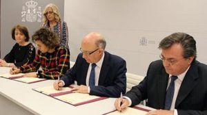 El Gobierno y Farmaindustria renuevan el Convenio por la sostenibilidad