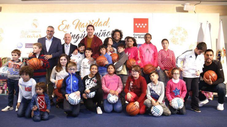 La Comunidad y la Fundación Real Madrid se unen para entregar regalos navideños a menores tutelados