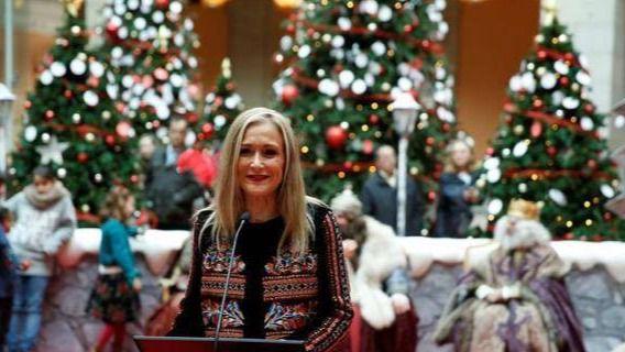 Cifuentes entrega a los Reyes Magos los deseos de las más 133.000 personas que han visitado la Navidad en Sol