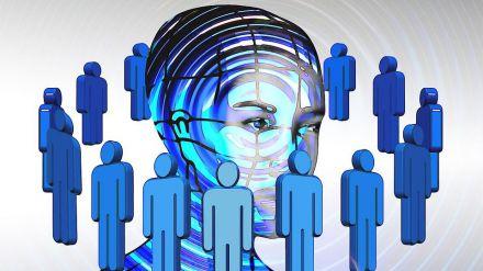 Detenido por acosar a varias personas a través de las redes sociales