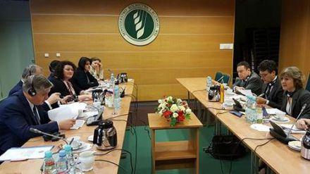 Isabel García Tejerina aboga por una PAC ambiciosa y una financiación fuerte en el futuro presupuesto de la Unión Europea