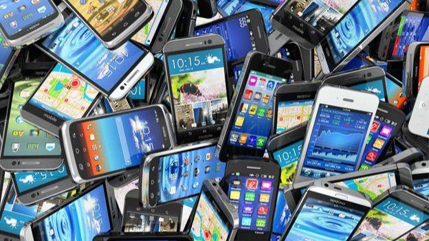 Agenda Digital limita el precio y la duración de las llamadas de los números que empiezan por 118
