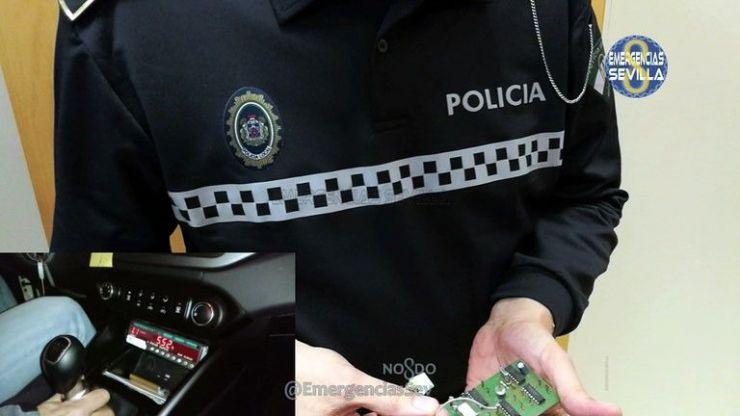 La Policía Local de Sevilla detecta un fraude a través de la manipulación de los taxímetros por parte de dos taxistas
