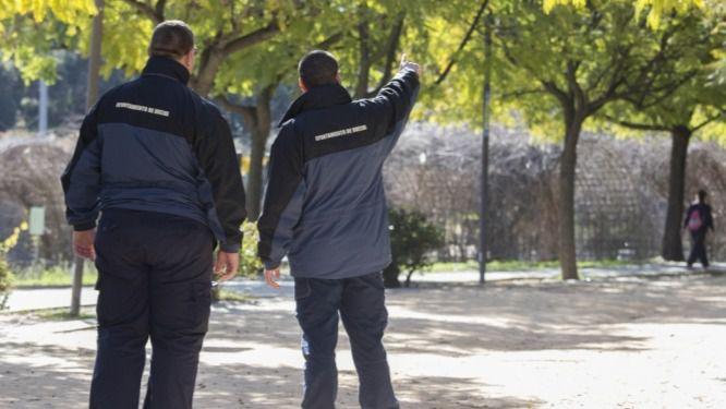 El Plan de Empleo Joven realizan labores de auxiliar de apoyo a la Policía Local en distintos espacios de Huelva
