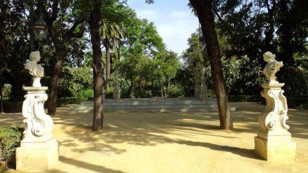 El Ayuntamiento de Sevilla duplicará el servicio de vigilancia de los parques y jardines de los barrios