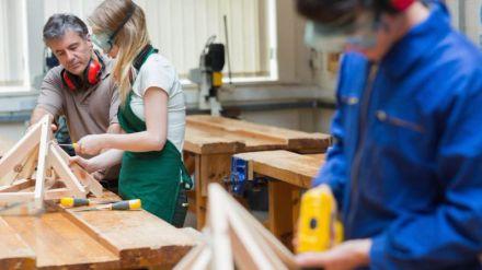 Educación de Castilla y León se propone aumentar la matrícula de alumnas en los ciclos de Formación Profesional tradicionalmente masculinos