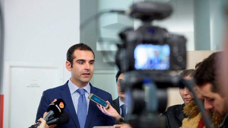 El alcalde agradece al ministro del Interior que haya elegido la ciudad de Almería para celebrar este año la festividad del Cuerpo Nacional de Policía