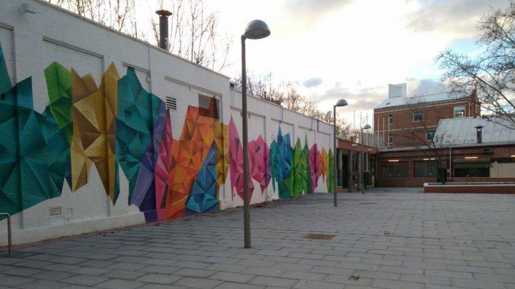 Renovada una plaza en Valdezarza para dedicarla a los y las Poetas