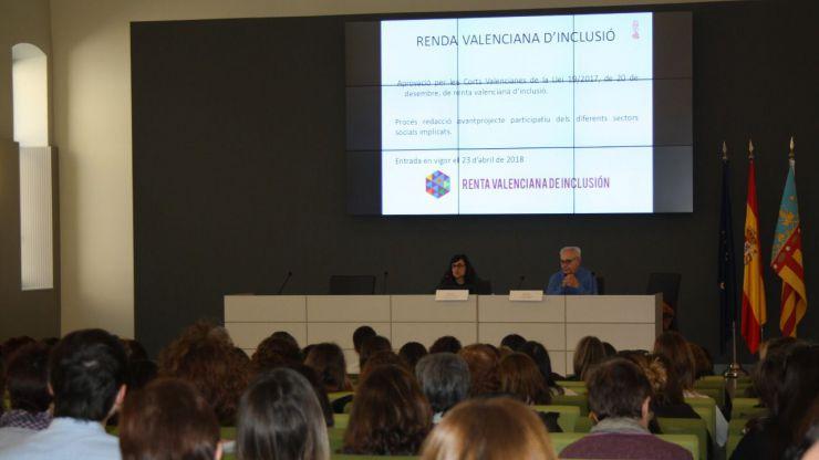 Igualdad forma a más de 400 profesionales municipales para gestionar la renta valenciana de inclusión