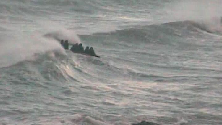 Rescatados tras zozobrar la embarcación en la que viajaban desde Marruecos