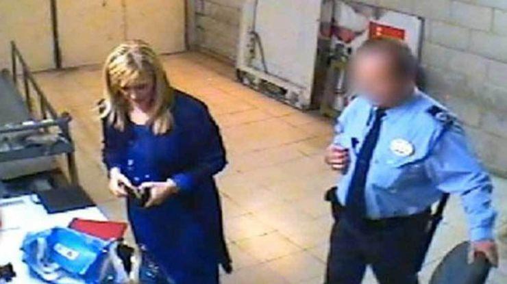 El vídeo del escándalo: Cristina Cifuentes robando en un Eroski