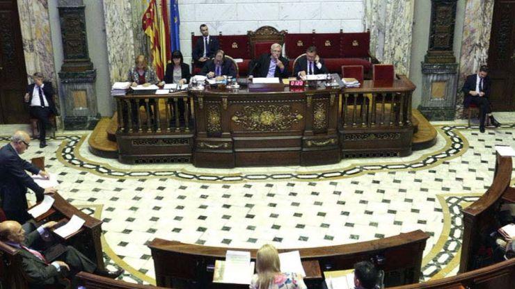 El Pleno del Ayuntamiento de Valencia exige al estado la aportación de 38 millones para el transporte metropolitano