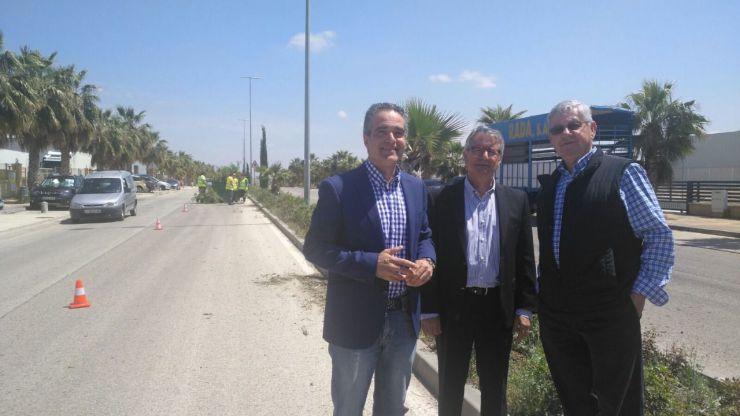 El Ayuntamiento de Jaén realiza trabajos de mejora de los espacios verdes