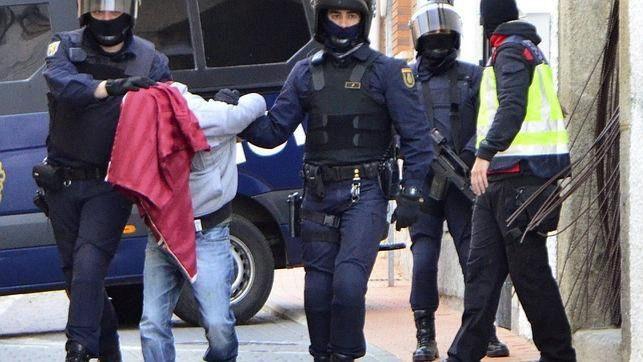 Detenidos cinco presuntos yihadistas que pensaban atentar en España