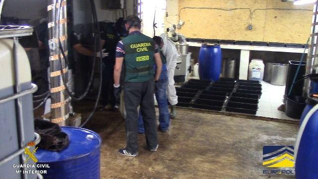 La Guardia Civil desmantela el mayor laboratorio de drogas sintéticas en España
