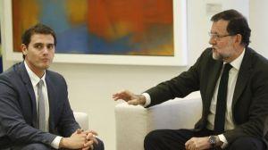 Rajoy da largas a Rivera
