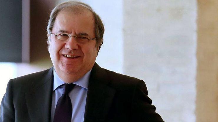 Herrera anima a las universidades a buscar y ofrecer las respuestas que exigen los nuevos tiempos, retos y problemas de la sociedad