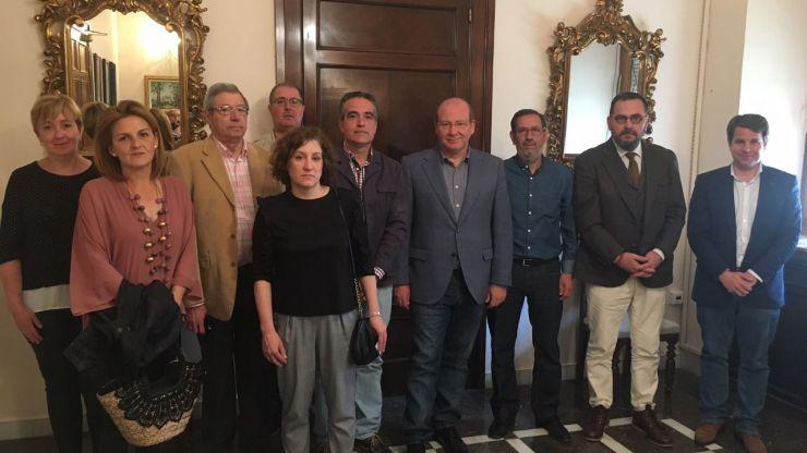 El alcalde de Jaén se reúne con la AAVV Ariete para abordar las necesidades de este barrio
