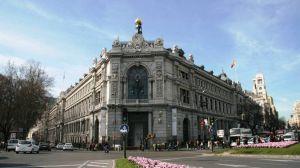 El Gobernador del Banco de España pide más fusiones de bancos