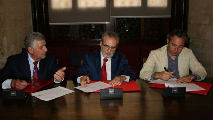 El Ayuntamiento de Sevilla suscribe un convenio de colaboración para la cesión de viviendas de Emvisesa