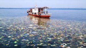 España primera potencia europea en verter plasticos al mar