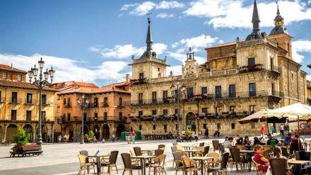 La Junta promociona la oferta de turismo urbano a través de medios internacionales especializados de 16 países