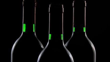 Desmantelada una organización dedicada a la producción y venta de vinos falsificados