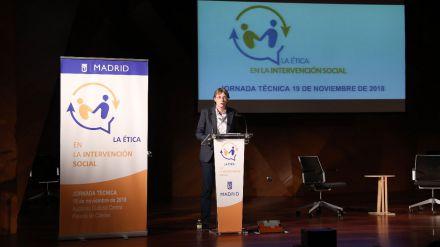 Higueras plantea los nuevos retos en la intervención social
