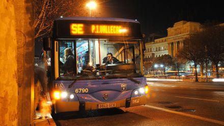 Dos líneas de autobús para transportar a personas sin hogar