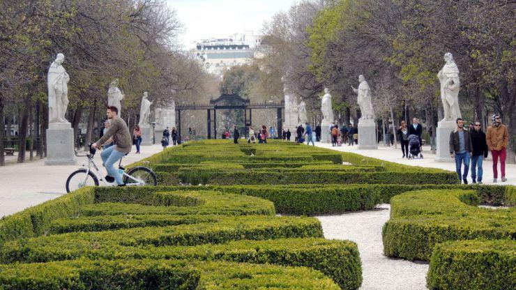 Detenido por grabar vídeos íntimos a mujeres en el madrileño Parque del Retiro