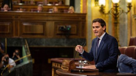 Rivera: 'Sánchez tiene la obligación de hacer cumplir la Constitución ante el desafío de Torra'