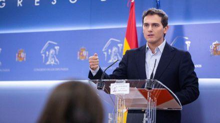 Rivera vuelve a 'tender la mano' a Sánchez para 'poner orden' en Cataluña