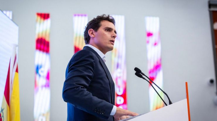 Rivera: 'Proponemos una solución de Estado a cambio de tres compromisos para que el fracaso de Sánchez no arrastre a España'