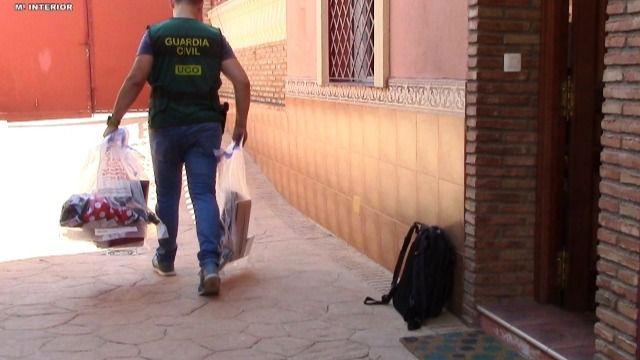 Detenida una madre por producir vídeos sexuales con sus hijas