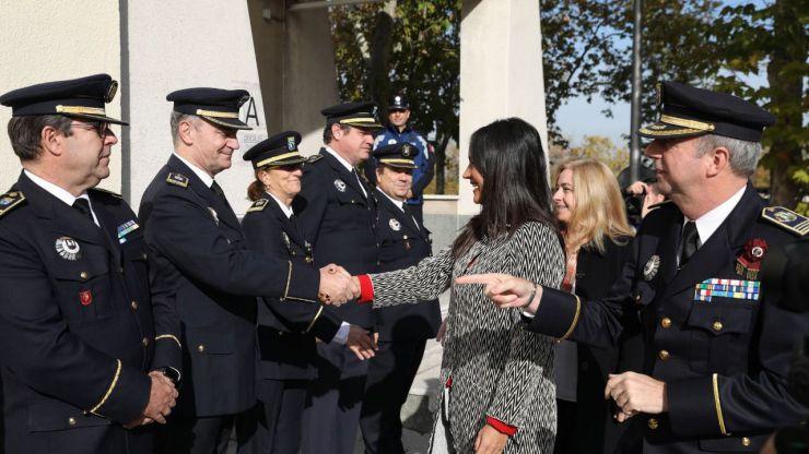 Villacís y Sanz entregan la Cruz de San Juan a 482 agentes de Policía Municipal