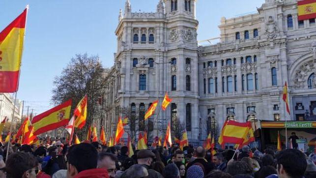 Vox y España Existe claman por la unidad nacional y la detención de Puigdemont y Torra