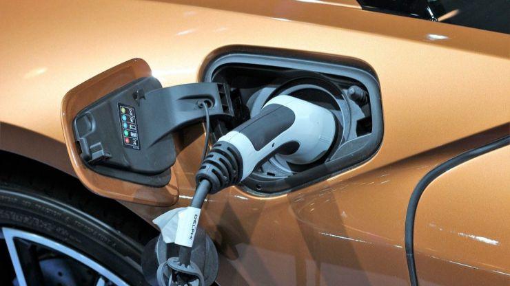 El Gobierno impulsará el coche eléctrico subiendo el impuesto de matriculación de los que contaminan