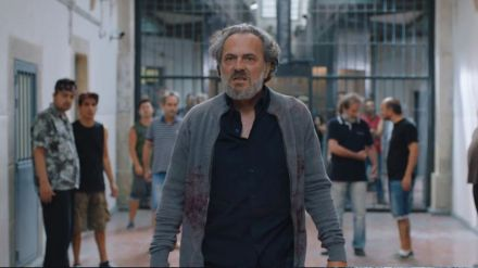 'Vivir sin permiso' se impone al estreno de 'Maestros de la costura 3'