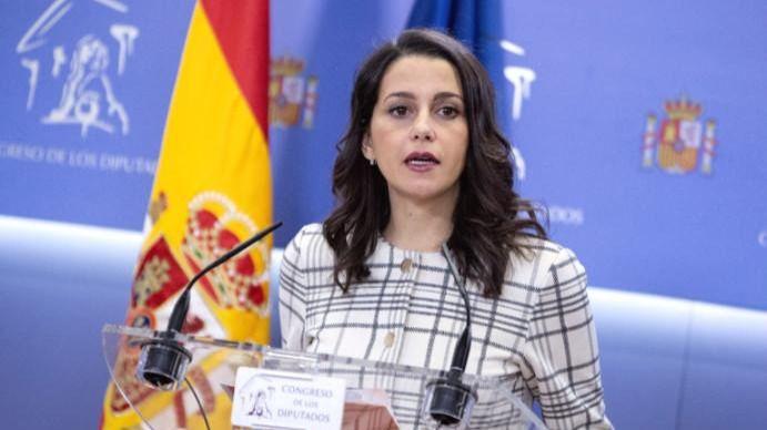 Arrimadas critica que Sánchez no tenga 'decencia' para reunirse con los constitucionalistas catalanes