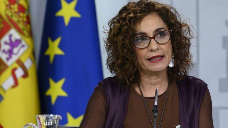Montero descarta retrasar los Presupuestos por el impacto económico del coronavirus